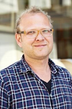 Geigenbaumeister Matthias Bergmann, die Klangwerkstatt München